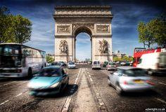Es la principal avenida de París y una de las #CallesMásFamosasDelMundo: Champs-Élysées.