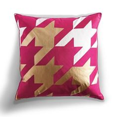 Oversized Houndstooth Pillow in Magenta