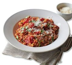 A++++++ Creamy tomato risotto. A budget rice dish flavoured with rosemary, basil and sweet cherry tomatoes. An ideal midweek supper Easy Tomato Recipes, Veggie Recipes, Vegetarian Recipes, Healthy Recipes, Fast Recipes, Healthy Dishes, Rice Recipes, Rice Dishes, Food Dishes