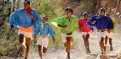 """Los Rarámuri o Tarahumaras habitan en una cuarta parte del territorio suroeste del estado, en una de las partes más altas de la Sierra Madre Occidental. El significado del nombre Rarámuri significa """"Pies Ligeros""""."""