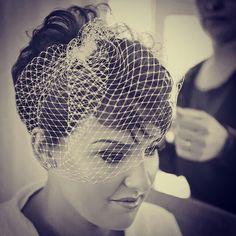 Pixie wedding hair. Birdcage