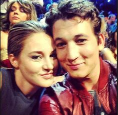 Shailene Woodley GIFs, pictures with her co-stars: Theo James (Divergent), Miles Teller (Spectacular Now), Ansel Elgort (Fault in Our Stars). Shailene Woodley, Theo James, Miles Teller, Divergent Trilogy, Divergent Insurgent Allegiant, Veronica Roth, The Spectacular Now, Film D'action, The Fault In Our Stars