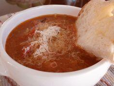 Vous verrez qu'avant d'ajouter les tomates et le bouillon, il se forme une croûte dôrée au le fond de la casserole, laquelle est garante d'une soupe savoureuse. Pudding, Ajouter, Pin, Ethnic Recipes, Desserts, Dressing, Cream Soups, Salad, Cook