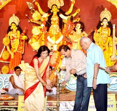 Sushmita Sen at a Durga Puja pandal. #Bollywood #Fashion #Style #Beauty