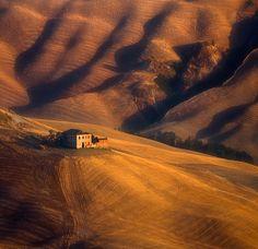 old farm near Asciano, Tuscany by Krzysztof Browko Siena