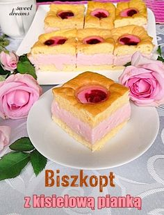 Biszkopt z kisielową pianką Polish Desserts, Polish Recipes, Delicious Deserts, Yummy Food, Sweet Recipes, Cake Recipes, My Favorite Food, Favorite Recipes, Pumpkin Cheesecake
