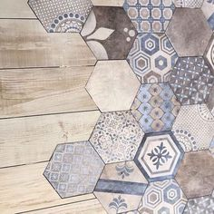 Almost like a patchwork quilt. I wonder if you could buy boxes of leftover tiles., ideas farmhouse Almost like a patchwork quilt. I wonder if you could buy boxes of leftover tiles. Bathroom Flooring, Kitchen Flooring, Floor Design, House Design, Leftover Tile, Buy Boxes, New Homes, Shabby Chic, Home Decor Ideas