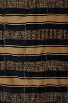 detail from a cotton textile, dogon people, mali Weaving Textiles, Textile Fabrics, Cotton Textile, African Textiles, African Fabric, African Patterns, Traditional Sculptures, Global Home, African Artists