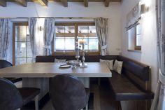 Kochen und Essen - Trixl Einrichtung Dining Table, Furniture, Home Decor, Cooking, Eten, Homemade Home Decor, Dinning Table Set, Home Furnishings, Interior Design
