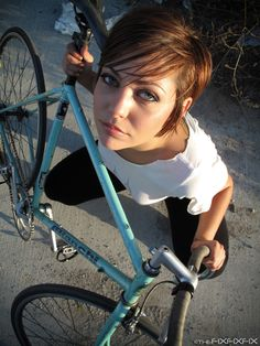 Игры голыи девушки на велосипедах фото 241-621