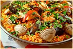 Perfect seafood paella recipe! Paella de marisco!