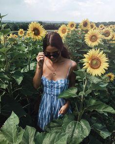 """17.3 m Gostos, 75 Comentários - Tess Christine (@tesschristinexo) no Instagram: """"Getting lost in flower fields."""""""