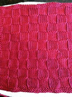 Ravelry: Checkers Afghan Square pattern by Amanda Raven Knit Pillow, Crochet Crafts, Crochet Ideas, Crochet Stitches, Crochet Afghans, Easy Knitting, Knitting Projects, Clothing Patterns, Knitted Hats