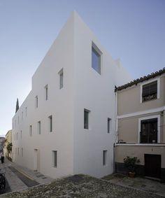 8 experimental apartments in Realejo | Elisa Valero Arquitectura