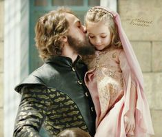 King Arthur, loved his little girl. His princess Nadia. He would do anything for his daughter. Fantasy Inspiration, Story Inspiration, Writing Inspiration, Character Inspiration, Writing Characters, Fantasy Characters, Captive Prince, Medieval Fantasy, My Character