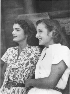 Jackie and younger sister Caroline Lee, circa 1946