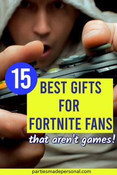 Fortnite Gifts Ideas - Best Fortnite present ideas for gamers Cheap Gifts, Easy Gifts, Cool Gifts, Amazing Gifts, Tween Boy Gifts, Gifts For Boys, Old School Board Games, Tween Games, Llama Gifts