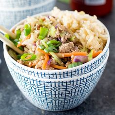 This dinner can be made in less than 20 minutes, plus it's great as a low carb dish or served with rice! Perfect for a busy weeknight dinner! Slaw Recipes, Pork Recipes, Healthy Recipes, Crack Slaw, Chili Garlic Sauce, Coleslaw Mix, Free Meal Plans, White Meat, Delicious Dinner Recipes