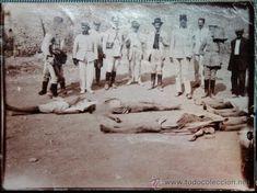 FOTO INEDITA DE LA GUERRA DE AFRICA,MILITARES ESPAÑOLES CON MOROS MUERTOS