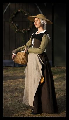 "Brown ""Greensleeves"" Kirtle.     Mid-late Elizabethan working class outfit (based on the Tudor Tailor patterns)."