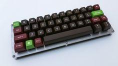 [photos] JD40 with Retro SA keycaps - Imgur
