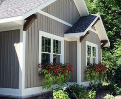 Cottage Exterior, House Paint Exterior, Exterior House Colors, Exterior Design, Ranch Exterior, Exterior Homes, Exterior Remodel, Building Exterior, Vinyl Siding Colors