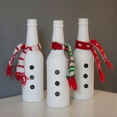 4 DIY Beer Bottle Decorations For The Holidays - Frankenmuth Brewery Beer Bottle Crafts, Wine Bottle Art, Diy Bottle, Beer Bottles, Glass Bottles, Bottle Top, Christmas Beer, Christmas Wine Bottles, Garrafa Diy