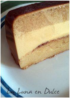 ¡Buenas tardes! Seguro que a estas hora ya os habéis enterado de que es el #diadelcafe!! Y si no lo sabíais, pues ya os lo digo yo. Os ... Flan Cake, Pan Dulce, Desert Recipes, Vanilla Cake, Delicious Desserts, Bakery, Cheesecake, Deserts, Sweets