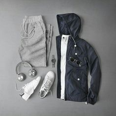 man outfit Men Sweatpants Outfits- Hey guys get ready to be the heartthrobs with our dope suggestion of sweatpants without the hassle of spending your hard-earned money on expensive clothin Sweatpants Outfit, How To Wear Sweatpants, Stylish Mens Outfits, Casual Outfits, Men Casual, Fashion Outfits, Men's Outfits, Fashion Clothes, Casual Wear