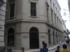 la drogueria, totalmente restaurada despues del incendio, Calle Obispo, muy cerca de Casa Maura xurl.es/pporn