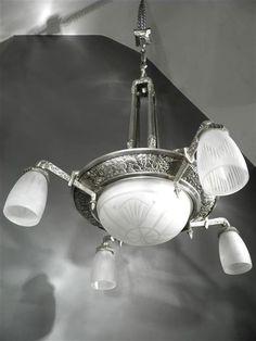1925 p gilles grand lustre plaques en bronze dor et verre press moul art d co art deco. Black Bedroom Furniture Sets. Home Design Ideas