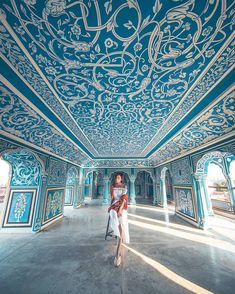 Colourful, chaotic and brimming with history, Rajasthan's capital of Jaipur has been enthralling visitors for centuries. Jaipur Travel, India Travel, India Trip, City Palace Jaipur, Places To Travel, Places To Visit, Travel Stuff, Vacation Places, Travel Crafts