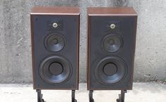 I got them with one dead mid/bass unit. I replaced it with a driver recommended by Frank at The Speaker Shop, and they sounded ok. A day lat...