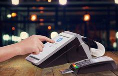 В этой статье мы подробно поговорим об онлайн-кассах, этой наболевшей проблеме российского бизнеса. В связи с изменениями законодательства организация или ИП должны указывать на фискальном чеке данные о товарных позициях и их ставке НДС, должны по первому требованию отправлять клиенту электронную версию чека, и могут использовать только ККМ имеющие функцию передачи данных в налоговые органы (через оператора фискальных данных).