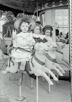 1900 rpt Paris Girls Carousel 3 Pigs Jules Seeberger Merry Go Round Child Vintage Children Photos, Vintage Pictures, Old Pictures, Vintage Images, Old Photos, Cirque Vintage, Vintage Abbildungen, Vintage Circus, Vintage Twins