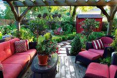 inspiring small backyard patio area