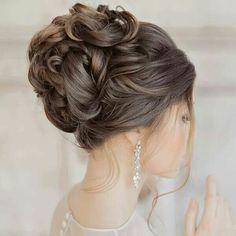 Glamorous Wedding Hairstyles with Elegance wedding hairstyles photo 2019 wedding hairstyle idea; photo: Liliya Fadeeva via Websalon Wedding wedding hairstyles photo 2019 2015 Hairstyles, Elegant Hairstyles, Bride Hairstyles, Bridesmaid Hairstyles, Shag Hairstyles, Beautiful Hairstyles, Wedding Hair And Makeup, Wedding Updo, Wedding Nails