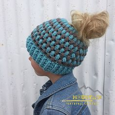 Puff Stitch Messy Bun Beanie Pattern!  Look how cute this is!  Find the pattern on Ravelry