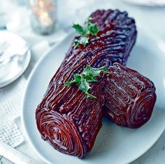 Mary Berry's irresistible Christmas desserts - treat yourself! Christmas baking ideas from Mary Berry - Best dessert recipes including mince pies, Yule log and trifle for your Christmas Dinner party - Mirror Online Chocolate Yule Log Recipe, Christmas Chocolate, Mince Pies, Christmas Cooking, Christmas Desserts, Xmas Food, Best Dessert Recipes, Fun Desserts, French Desserts