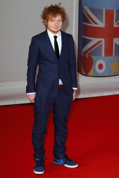 Ed Sheeran | Red carpet BRIT Awards 2012 | hellomagazine.com