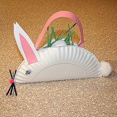Bunny Easter Basket Craft - Learn how to use a paper plate and a few basic craft supplies to make a bunny that will hold Easter treats. (http://familycrafts.about.com/od/easterbaskets/ss/bunnybasket.htm)