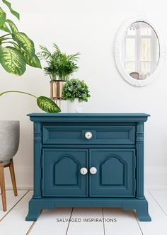 How To Thin Paint - Salvaged Inspirations Painted Furniture For Sale, Thrift Store Furniture, Chalk Paint Furniture, My Furniture, Repurposed Furniture, Furniture Refinishing, Outdoor Furniture, Refurbished Furniture, Painted End Tables