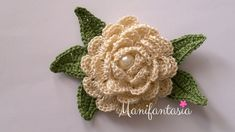 Come fare le rose all'uncinetto arrotolate: schemi e tutorial - manifantasia Photo Pattern, Rose, Crochet Motif, Ants, Crochet Earrings, Projects To Try, Homemade, Bridal, Christmas Ornaments