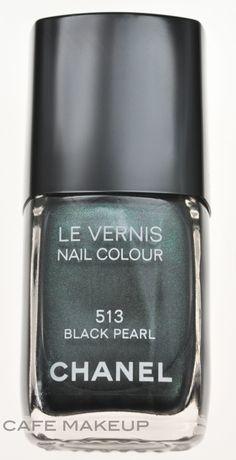 Nail Polish Black Pearl Chanel.