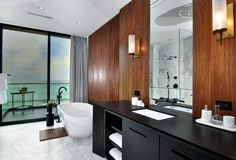 Capistrano Beach House by Brandon Architects Designed by Brandon Architects and built by Pinnacle Custom Homes, this gorgeous 4000 sq ft soft contemporary residence is located in Dana Point,. Modern Bathroom Design, Modern Design, Capistrano Beach, Modern Baths, Relax, Residential Interior Design, Big Houses, Architect Design, Bathroom Inspiration