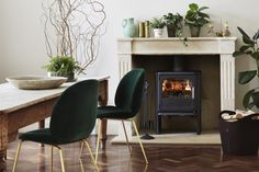 The stoves artistic expression sets it apart from the crowd. Its combination of cast iron and glass are a challenging interpretation of style and function. Home Trends, Room Furnishing, Home, Interior, Dining, Dining Room, Fireplace, Wood Burning Stove, Room