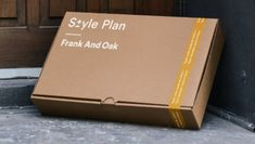 Frank And Oak's custom style subscription will change the way you shop Corrugated Packaging, Cardboard Packaging, Print Packaging, Box Packaging, Custom Mailer Boxes, Paper Bag Design, Clothing Packaging, Creative Box, Folder Design