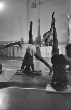 RIMYI Pune India in the 70's. Guruji teaching parsva eka pada Sirsasana
