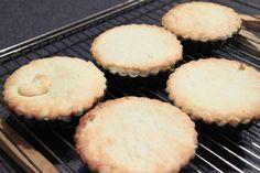Hjemmelavede cremelinser. Når man først har prøvet de her cremelinser, så er der ingen grund til at købe bagerens mere.