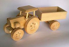 Tracteur en bois fabriqués à la main par PolishFolkArtShop sur Etsy, £14.00